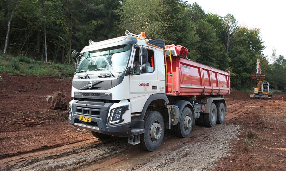 4 nouveaux camions VOLVO FMX 8X4